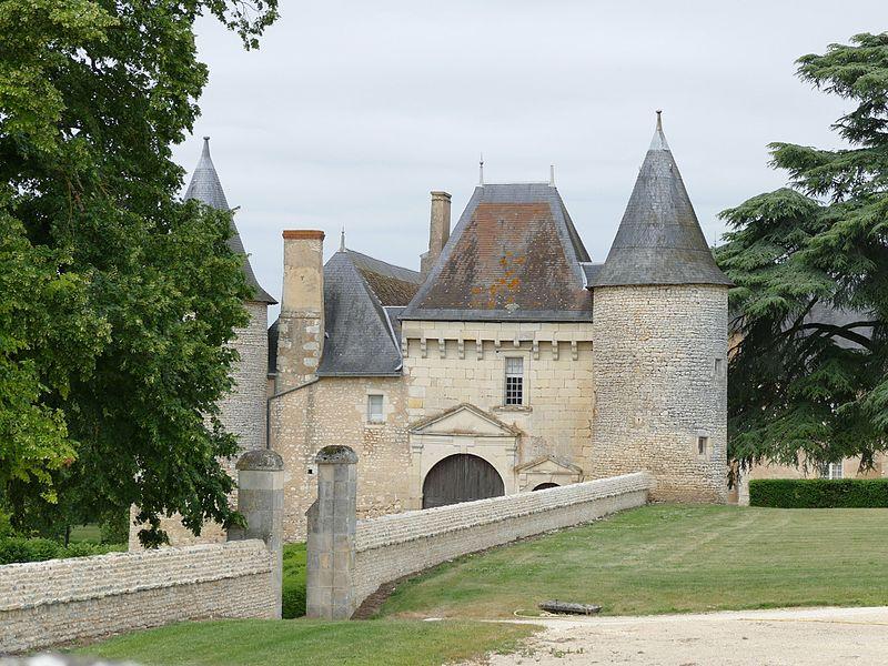 Photo du Monument Historique Château de Vayres situé à Saint-Georges-lès-Baillargeaux