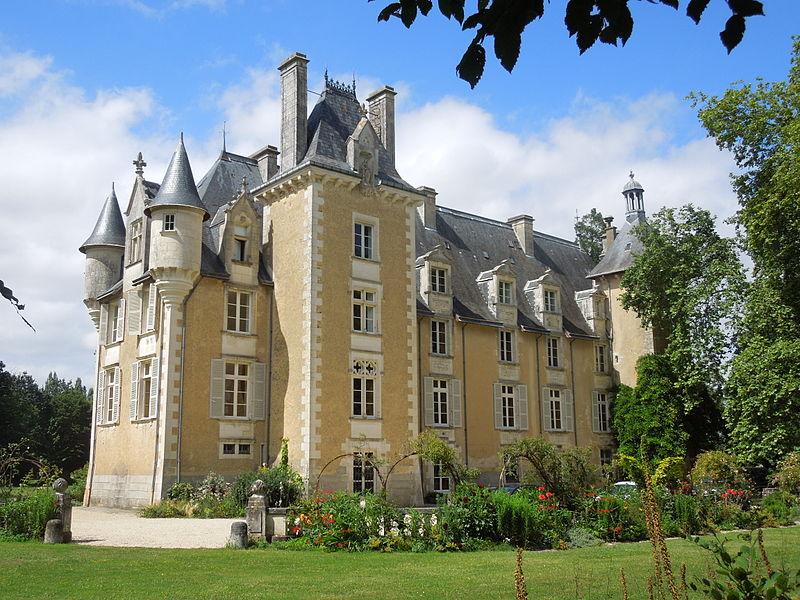 Photo du Monument Historique Château situé à Saint-Julien-l'Ars