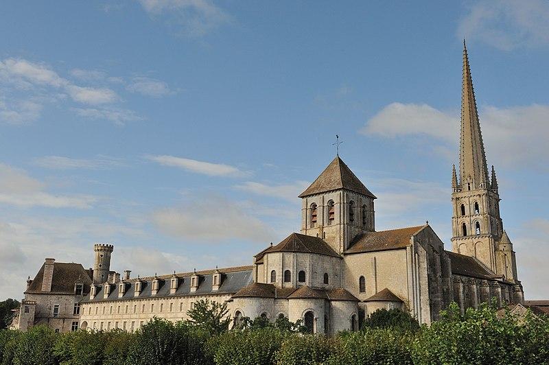 Photo du Monument Historique Ancienne église abbatiale situé à Saint-Savin
