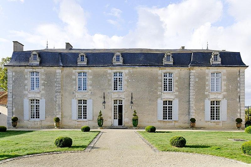 Photo du Monument Historique Château situé à Yversay