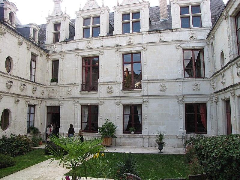 Photo du Monument Historique Hôtel des Sibylles situé à Châtellerault