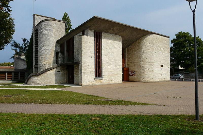 Photo du Monument Historique Eglise Saint-Cyprien situé à Poitiers