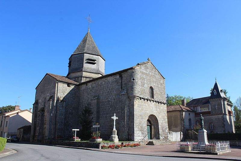 Photo du Monument Historique Eglise Saint-Genest situé à Azat-le-Ris