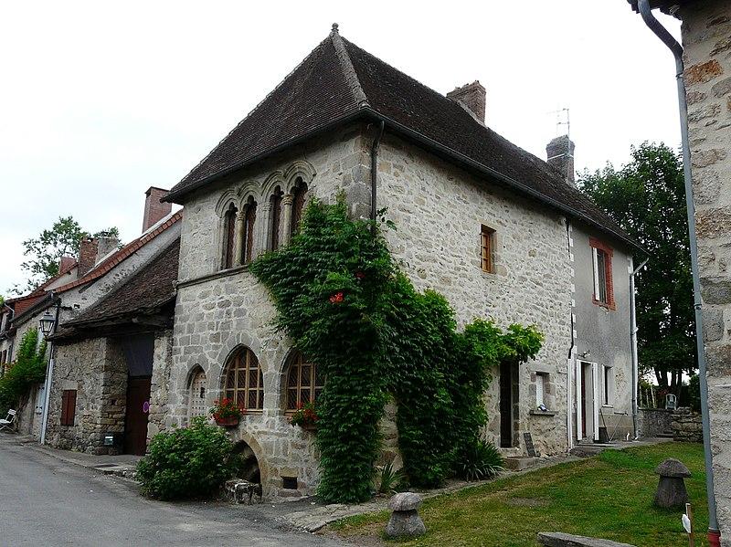 Photo du Monument Historique Maison dite des Anglais situé à Le Chalard