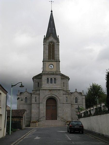 Photo du Monument Historique Vestiges de l'ancienne église Notre-Dame du Haut-Chalus situé à Châlus