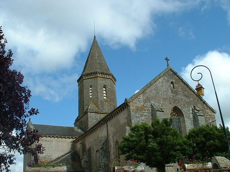 Photo du Monument Historique Eglise Saint-Thyrse situé à Châteauponsac