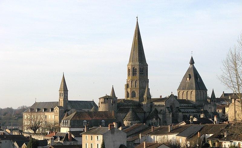 Photo du Monument Historique Eglise Saint-Pierre-ès-Liens situé à Le Dorat