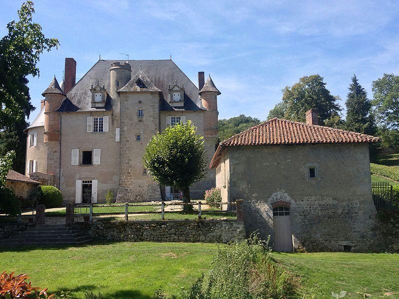 Photo du Monument Historique Château situé à Eyjeaux