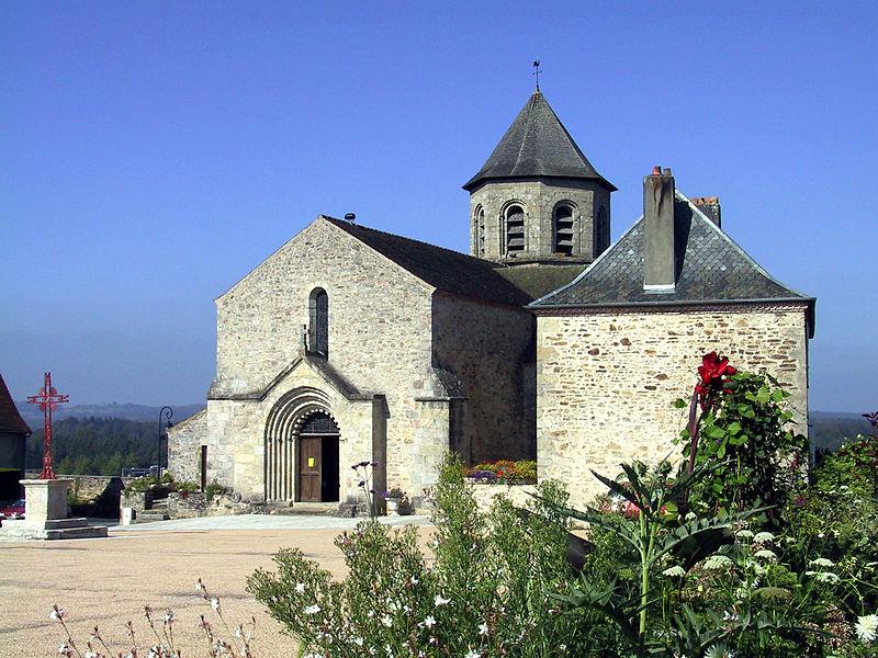 Photo du Monument Historique Eglise Saint-Aignan situé à Ladignac-le-Long