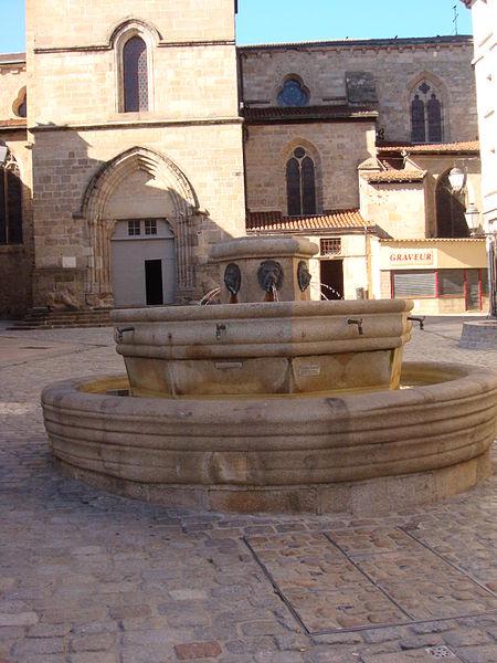 Photo du Monument Historique Fontaine d'Aigoulène situé à Limoges
