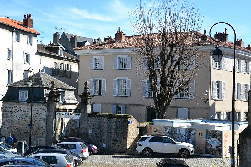 Photo du Monument Historique Hôtel Estienne de la Rivière situé à Limoges