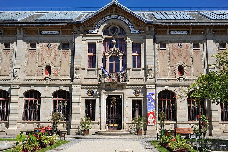 Photo du Monument Historique Musée national Adrien Dubouché et Ecole des Arts Décoratifs situé à Limoges
