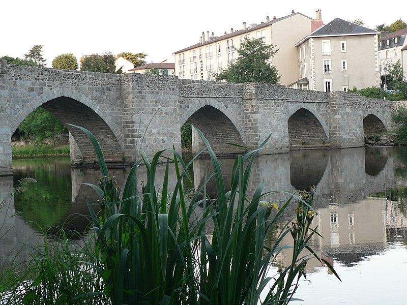 Photo du Monument Historique Pont Saint-Etienne situé à Limoges