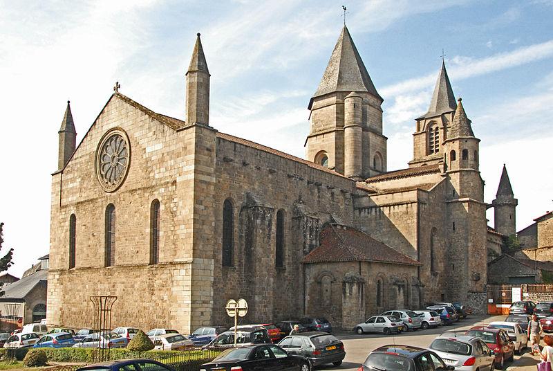 Photo du Monument Historique Eglise Saint-Junien situé à Saint-Junien