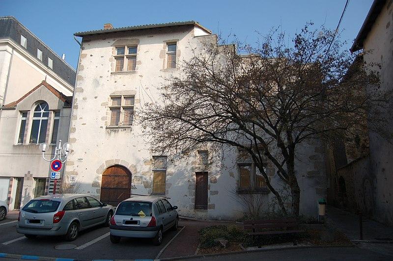 Photo du Monument Historique Ancienne maison situé à Saint-Junien