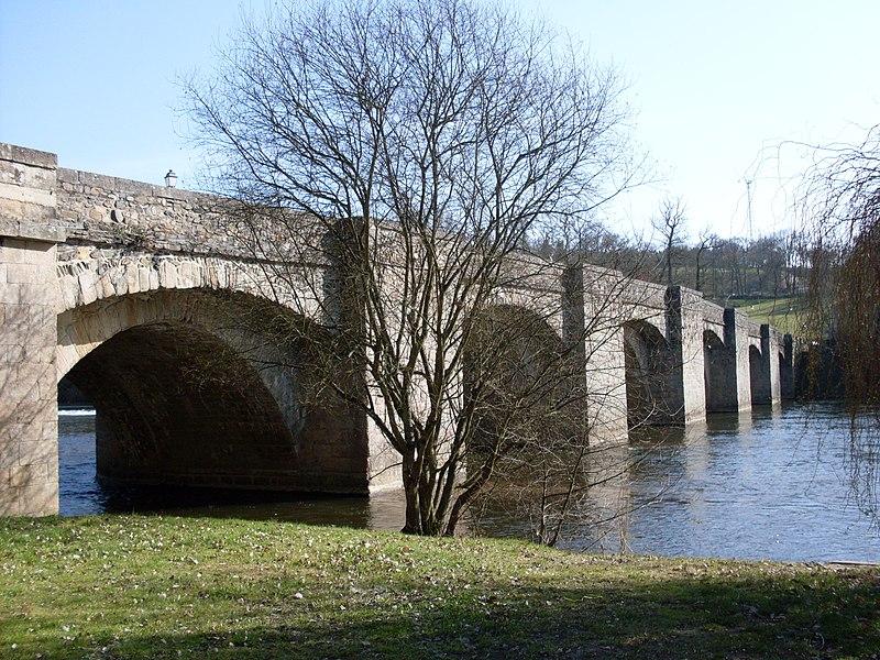 Photo du Monument Historique Pont-Notre-Dame sur la Vienne situé à Saint-Junien