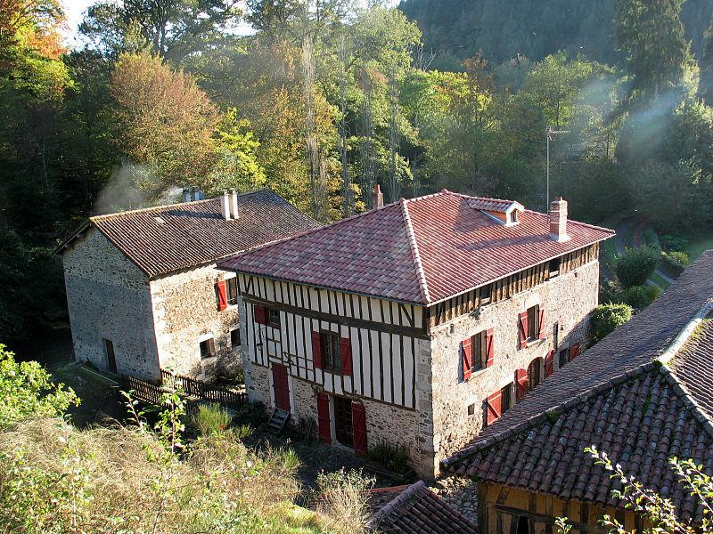 Photo du Monument Historique Ancien prieuré de Lartige, à Farebout situé à Saint-Léonard-de-Noblat