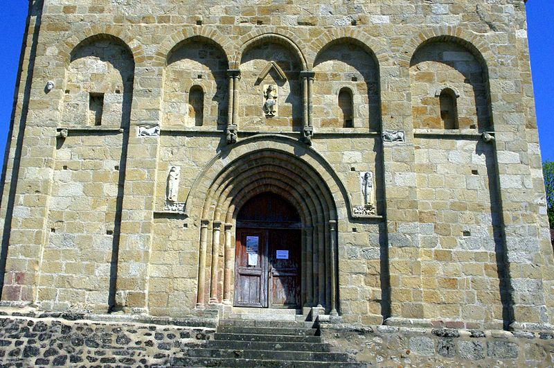 Photo du Monument Historique Eglise Saint-Eutrope situé à Les Salles-Lavauguyon