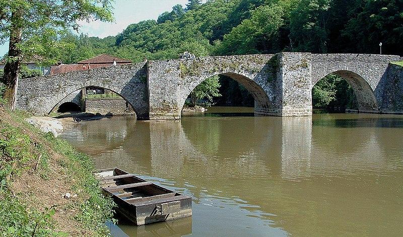 Photo du Monument Historique Vieux pont sur la Briance situé à Solignac