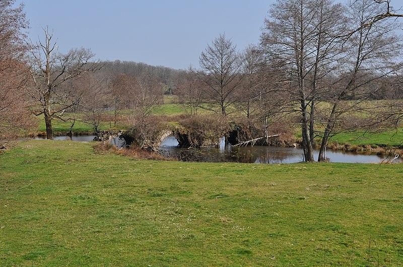 Photo du Monument Historique Pont du Cheix (également sur commune de Dinsac) situé à La Bazeuge