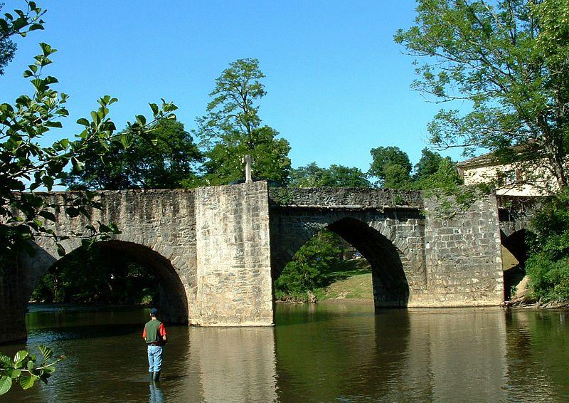 Photo du Monument Historique Pont Rompu sur la Briance situé à Solignac