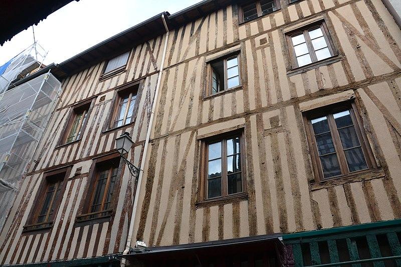 Photo du Monument Historique Immeubles situé à Limoges