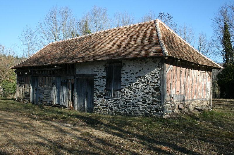 Photo du Monument Historique Ancienne carrière de kaolin de Marcognac situé à Saint-Yrieix-la-Perche