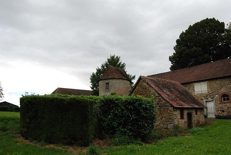 Photo du Monument Historique Tour du Mazet situé à Janailhac