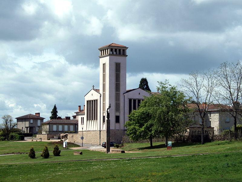 Photo du Monument Historique Eglise Saint-Martin du nouveau bourg d'Oradour-sur-Glane situé à Oradour-sur-Glane