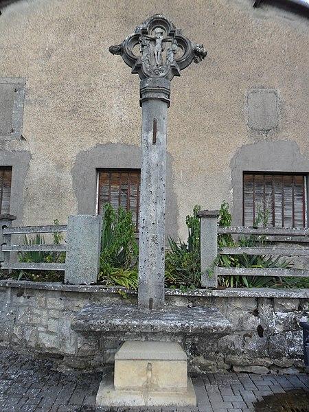 Photo du Monument Historique Croix de village situé à Aouze