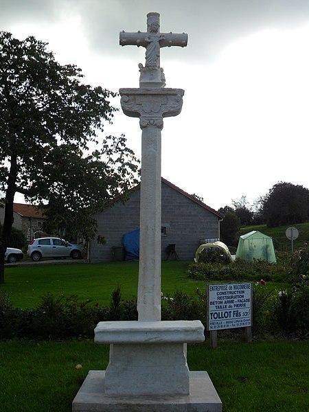 Photo du Monument Historique Croix de chemin situé à Balléville