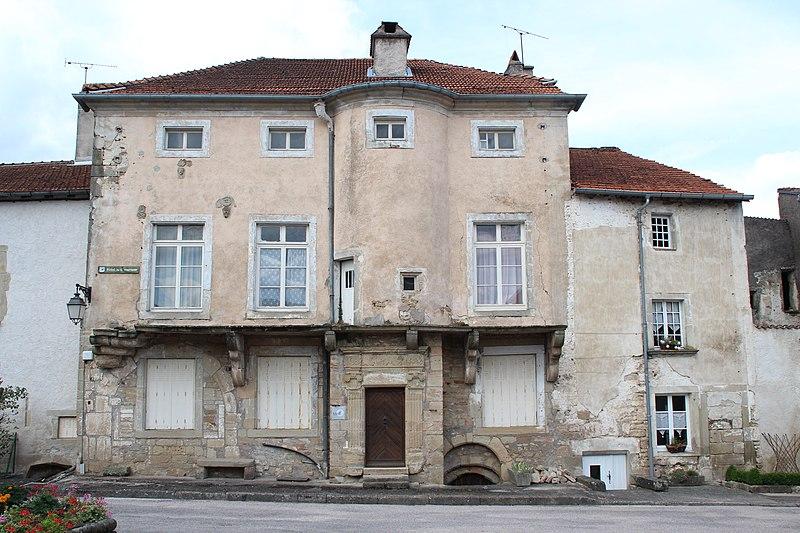 Photo du Monument Historique Hôtel du Gouverneur situé à Châtillon-sur-Saône