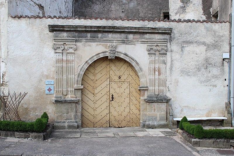 Photo du Monument Historique Immeuble Drouin situé à Châtillon-sur-Saône