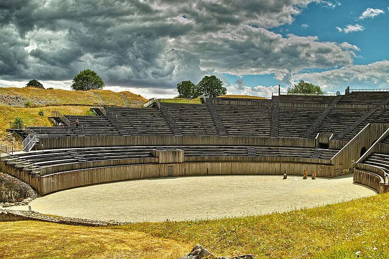 Photo du Monument Historique Amphithéâtre romain (ruines) situé à Grand