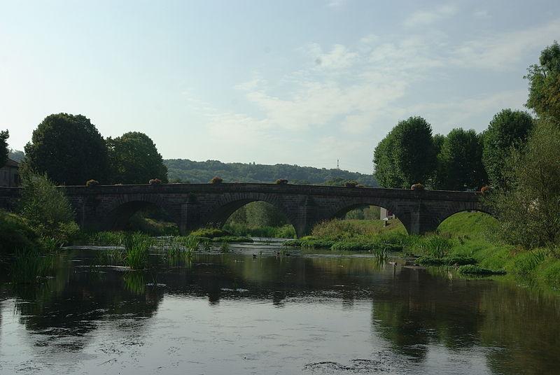 Photo du Monument Historique Pont dit Pont Stanislas ou Pont Saint-Vincent situé à Mirecourt