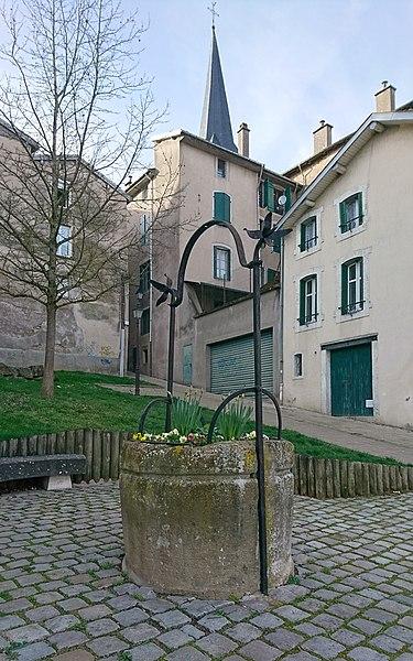 Photo du Monument Historique Puits situé à Mirecourt