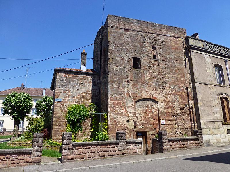 Photo du Monument Historique Château épiscopal situé à Rambervillers