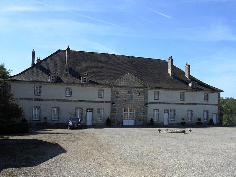 Photo du Monument Historique Château et son pigeonnier situé à Thuillières