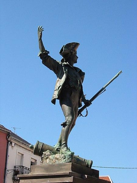 Photo du Monument Historique Statue du Volontaire de 1792 situé à Remiremont