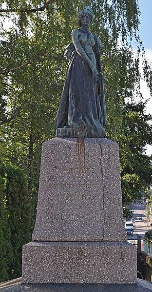 Photo du Monument Historique Monument aux enfants de l'arrondissement morts pour la patrie en 1870 situé à Neufchâteau
