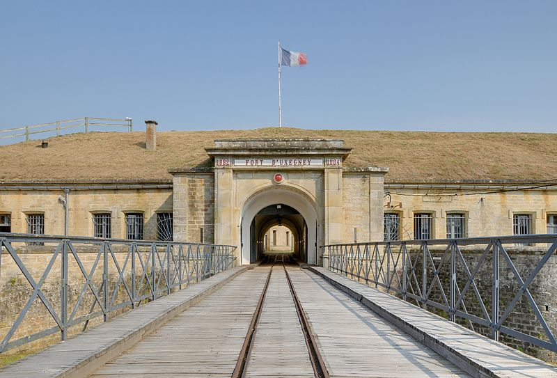 Photo du Monument Historique Fort dit d'Uxegney situé à Uxegney