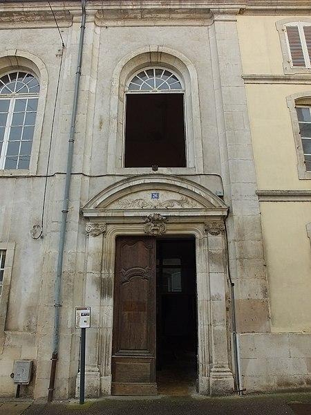 Photo du Monument Historique Ancien couvent de la Congrégation Notre-Dame, puis ancien tribunal situé à Neufchâteau