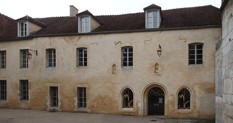Photo du Monument Historique Abbaye Saint-Pierre situé à Auxerre