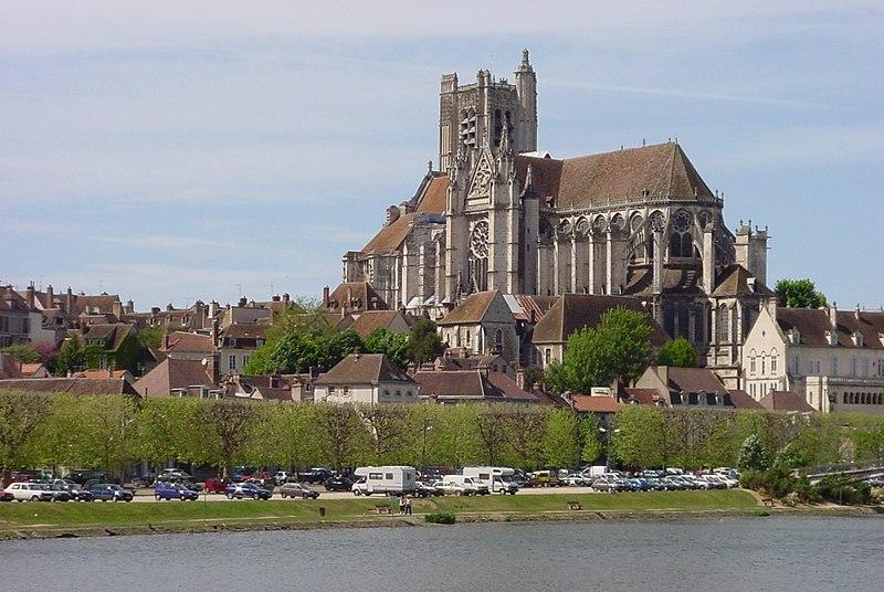 Photo du Monument Historique Ancienne cathédrale Saint-Etienne situé à Auxerre