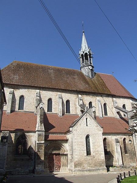 Photo du Monument Historique Eglise Saint-Martin situé à Chablis