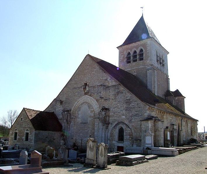 Photo du Monument Historique Eglise Saint-Pierre situé à Chablis