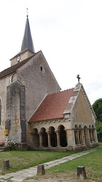 Photo du Monument Historique Eglise situé à Massangis