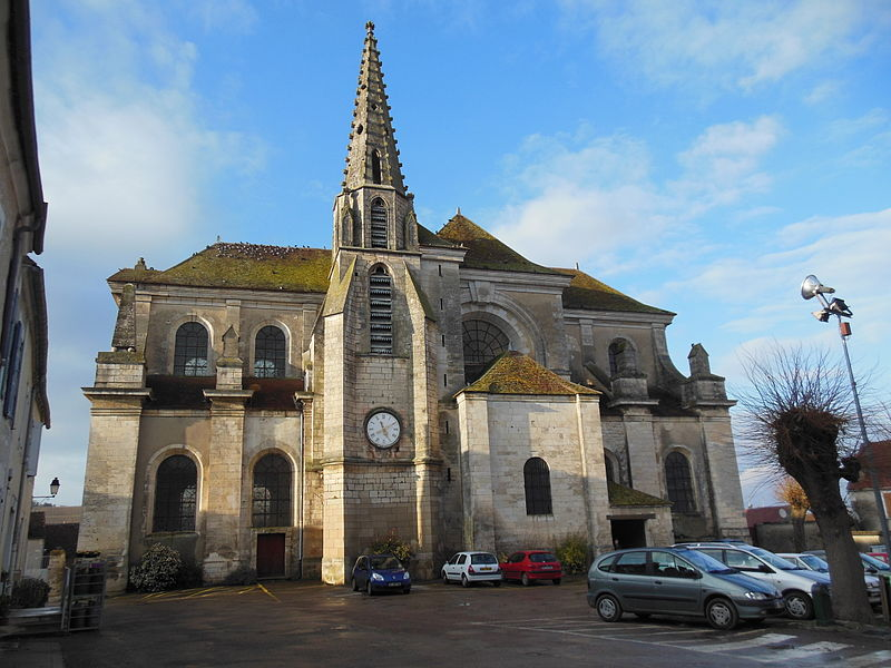 Photo du Monument Historique Eglise situé à Escolives-Sainte-Camille