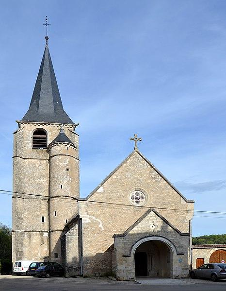 Photo du Monument Historique Eglise Saint-Julien situé à Cry