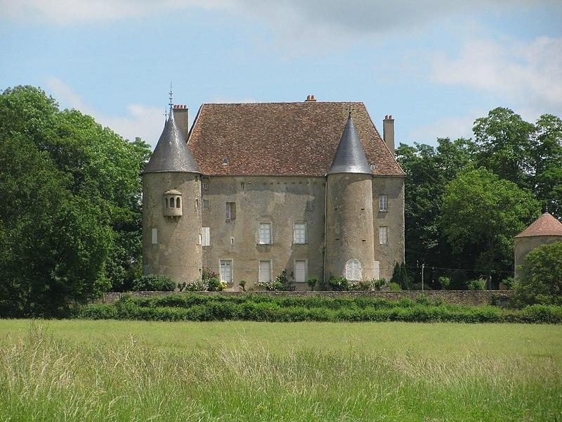 Photo du Monument Historique Château situé à Domecy-sur-Cure
